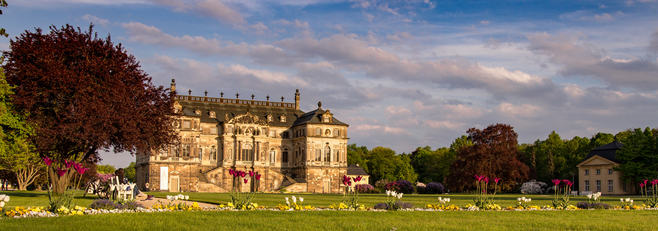 Frühlingsstimmung am Palais im Großen Garten in Dresden