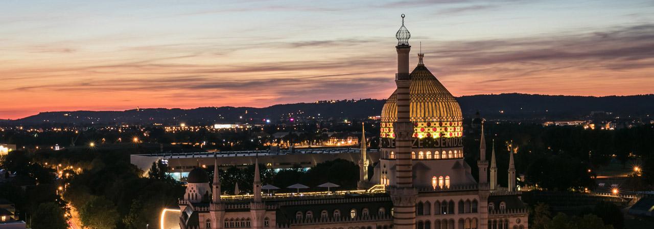 Für Märchenfreunde eine feste Adresse - die Yenidze in Dresden