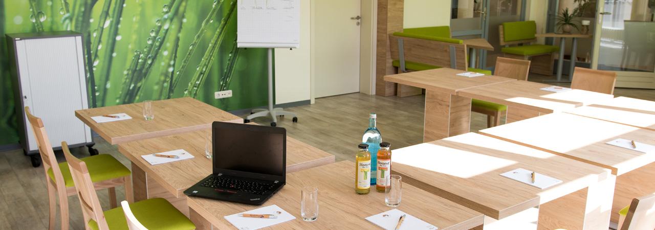 Beste Vorraussetzungen für erfolgreiche Meetings bieten die modernen Tagungsräume des Landhotels.